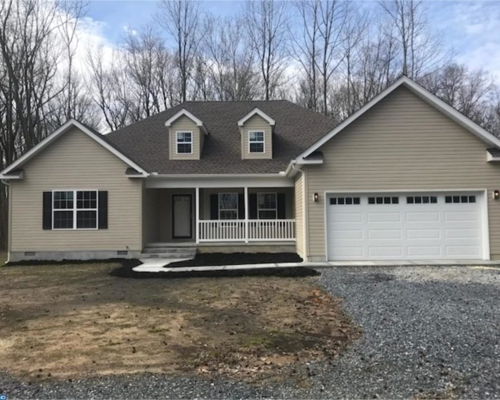 New Construction – 4 bedrooms, huge master suite, dual, vanities, separate tub and shower and walk-in closet. Neutral colors and two-car attached garage.